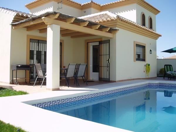 Casas rurales con piscina en la serrania de ronda m laga for Casas con porche y piscina
