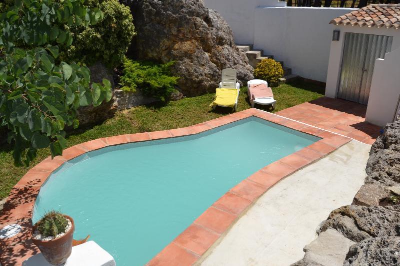 Villa la roca en montecorto serrania de ronda m laga for Jardin villa ronda