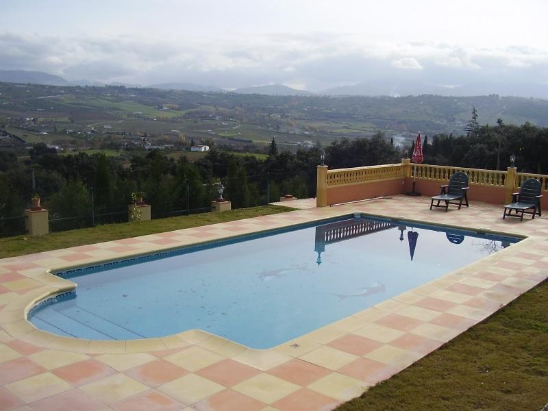 Casa rural villa palacios en ronda serran a de ronda for Hoteles en ronda con piscina