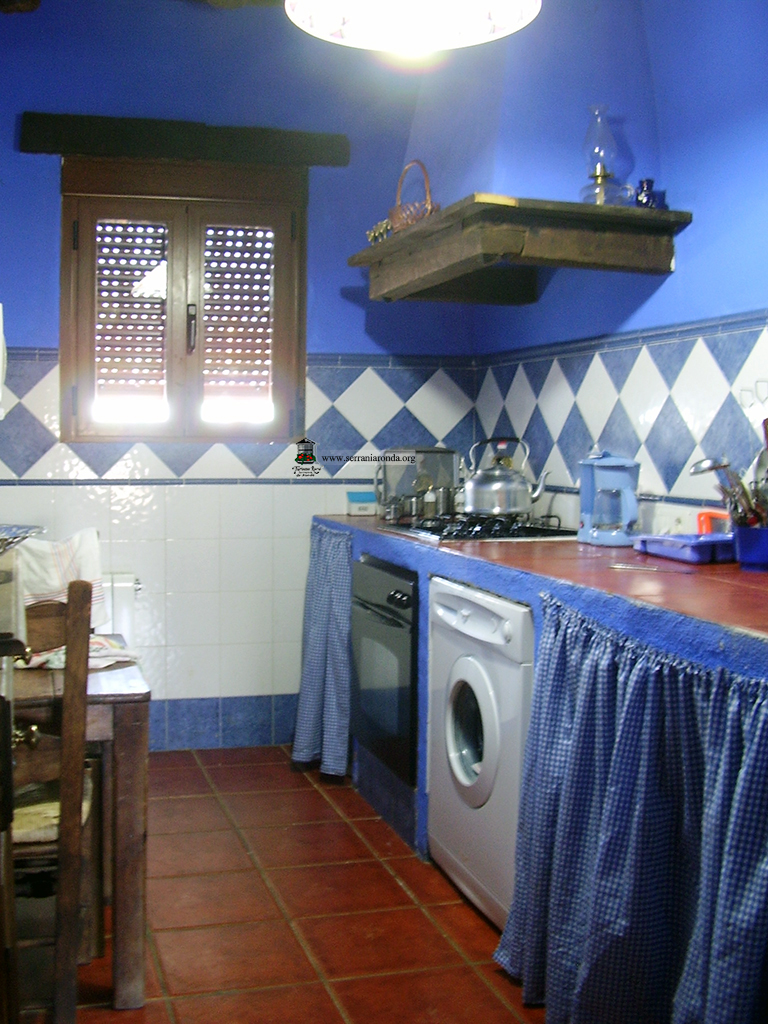 Casa rural hoya de los frailes en ronda serran a de ronda m laga - Hoya de cocina ...